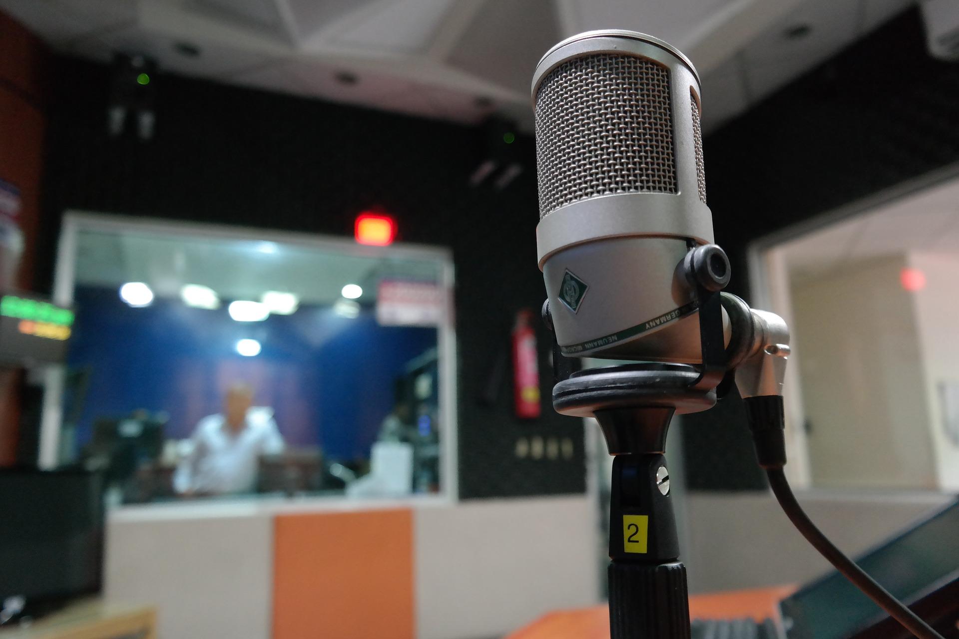 micrófono-1562354_1920